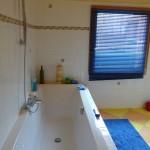 Salle de bain avec baignoire - Gite le moulin aux champs en lorraine